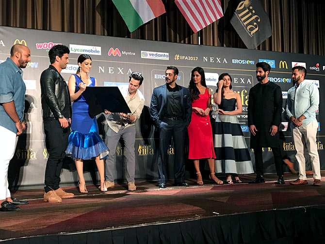 Shilpa Shetty with Other Celebs at IIFA Stomp Event at Times Square In New York