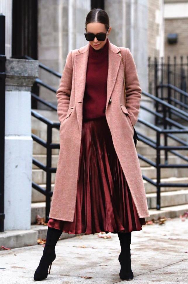 great outfit to try this season / boots + midi skirt + coat + burgundy sweater