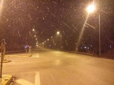 Χιόνια το βράδυ στην Θεσπρωτία - Χιονίζει αυτή τη στιγμή και στην Ηγουμενίτσα (+ΒΙΝΤΕΟ)