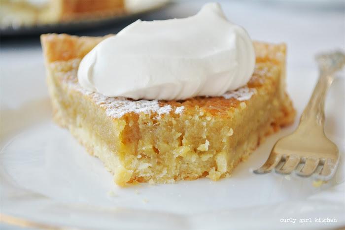 Maple Tart, Maple Pie, Thanksgiving Desserts, Christmas Desserts, Pie Decorating, Thanksgiving Pie, Powdered Sugar Stencil
