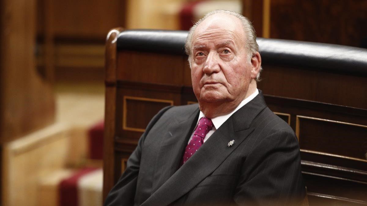 Podemos: Si rey emérito retorna a España se mofaría del pueblo