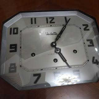 Đồng hồ treo tường Vedette