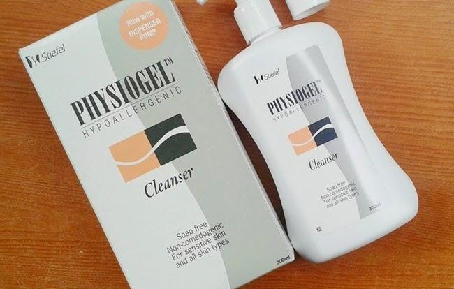 โฟมล้างหน้า Physiogel cleanser