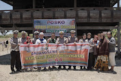 Hari Lalulintas Bhayangkara Ke -64, Lantas Polres Wajo Mengunjungi Korban Kebakaran di Desa Patila