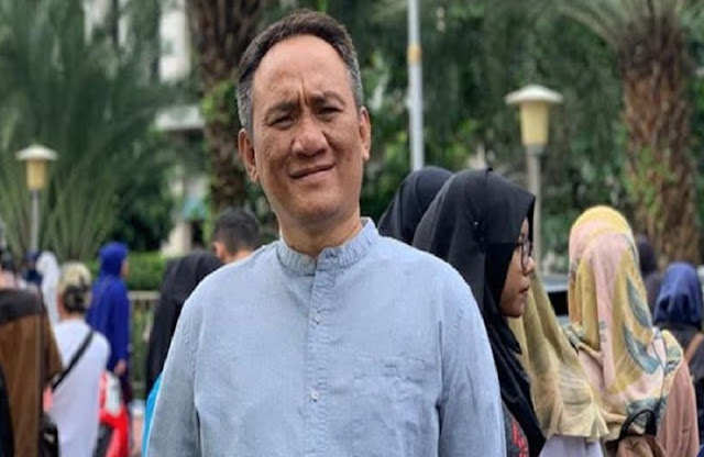 Andi Arief: Sempet-sempetnya Pak Jokowi Terpikir Dan Menyetujui Jualan Vaksin Ke Rakyat