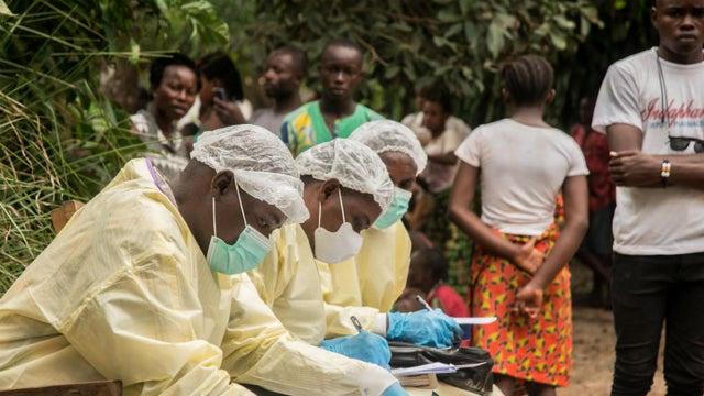 Ebola có nguy cơ bùng phát không kiểm soát ở châu Phi