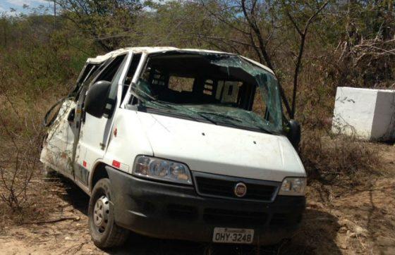Criança de 2 anos morre e 8 pessoas ficam feridas em acidente no Ceará