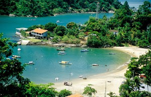 Descubra cidades litorâneas tranquilas no Brasil