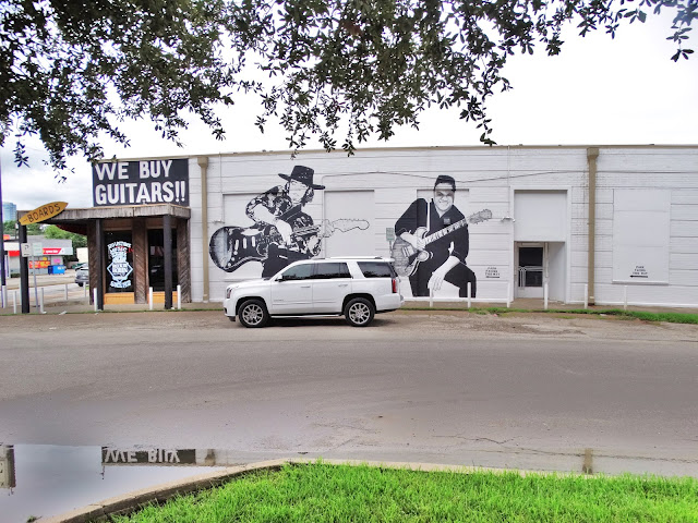 Rockin Robin Guitars & Music  3619 S Shepherd Dr, Houston, TX 77098