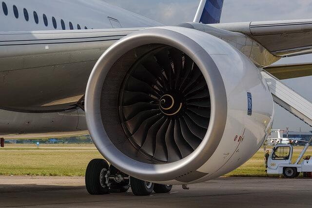 محرك طائرة ايرباص 350