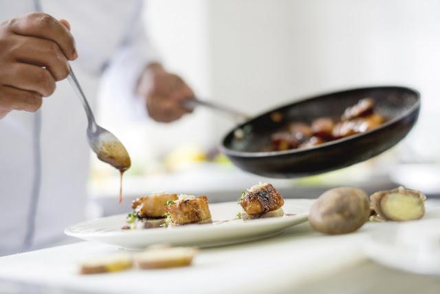 Εστιατόριο στο Ναύπλιο ζητάει μάγειρα ή μαγείρισσα