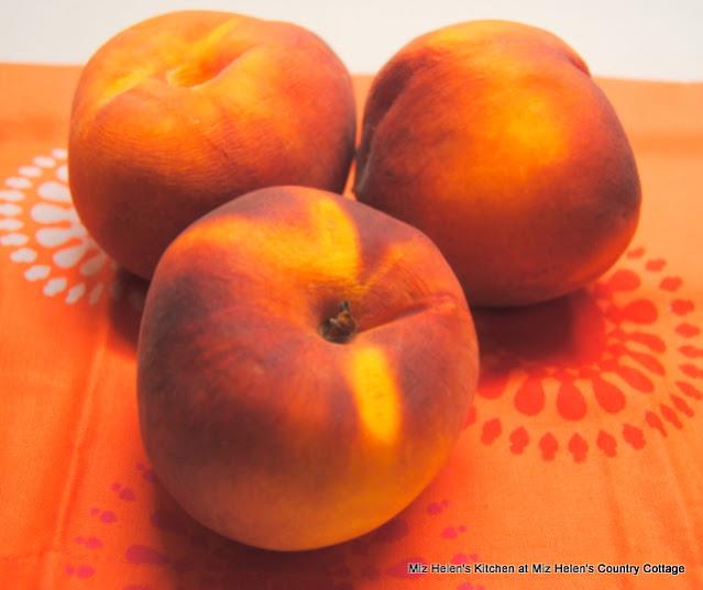 Peach Fizz at Miz Helen's Country Cottage