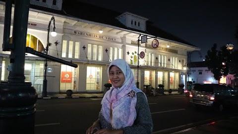 Werenhuis de Vries di Bandung