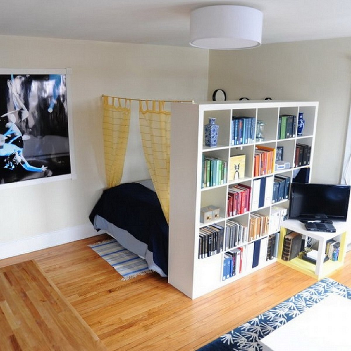 20 Perfect Small Apartment Decorating on a Budget - Decor ... on Apartment Decor Ideas On A Budget  id=79618