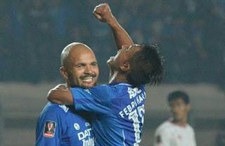 Persib Bandung Hajar Persiba Balikpapan 3-1
