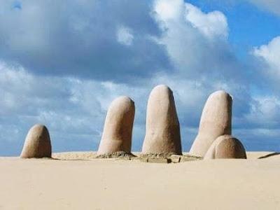 www.viajandoportodoelmundo.com  Playa de Punta del Este Uruguay