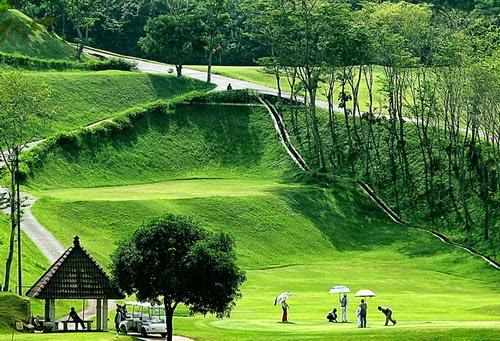 Graha Candi Golf: Real Estate & Golf Semarang, Informasi Seputar Semarang, Informasi Semarang, Info Semarang, Wisata Semarang, Kuliner Semarang, Jajanan Semarang, Cafe Semarang, Hotel Semarang, Penginapan Semarang,