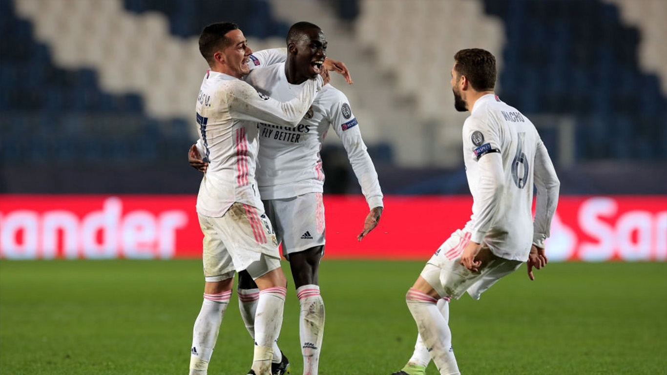 ferland-mendy-of-real-madrid-celebrates-with-team-mates-news-photo