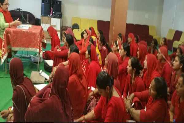 anm-and-asha-worker-got-training-in-fatehabad-ayush-department