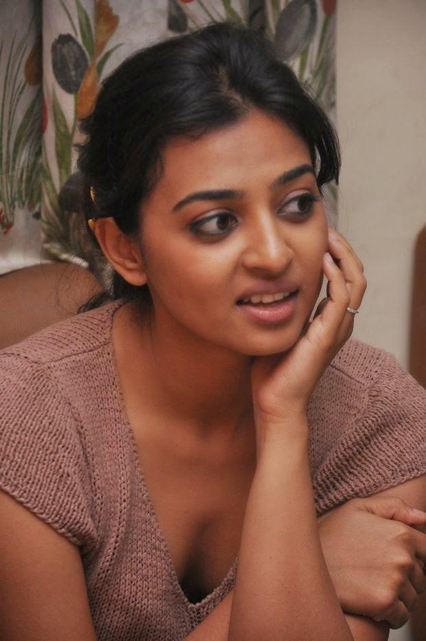 radhika apte pics