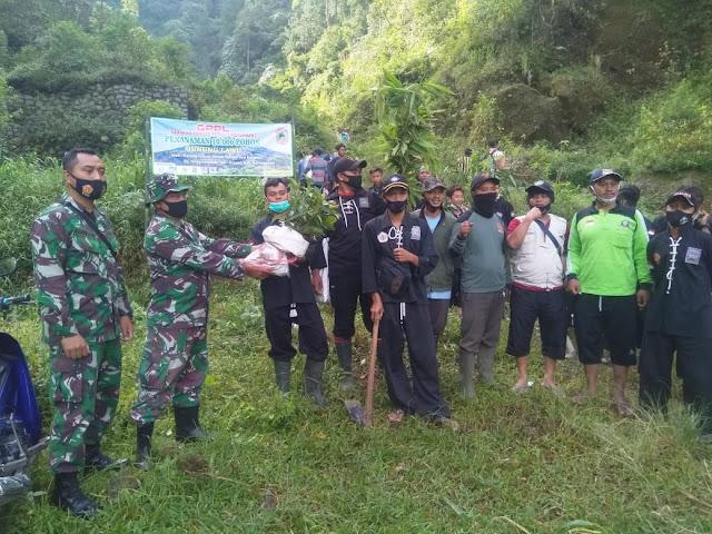 GPPL Tanam Ribuan Pohon Di Lereng Gunung Lawu