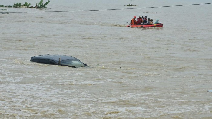 Kudus Tiga Pekan Banjir, Ganjar: Bentuknya Kayak Mangkok