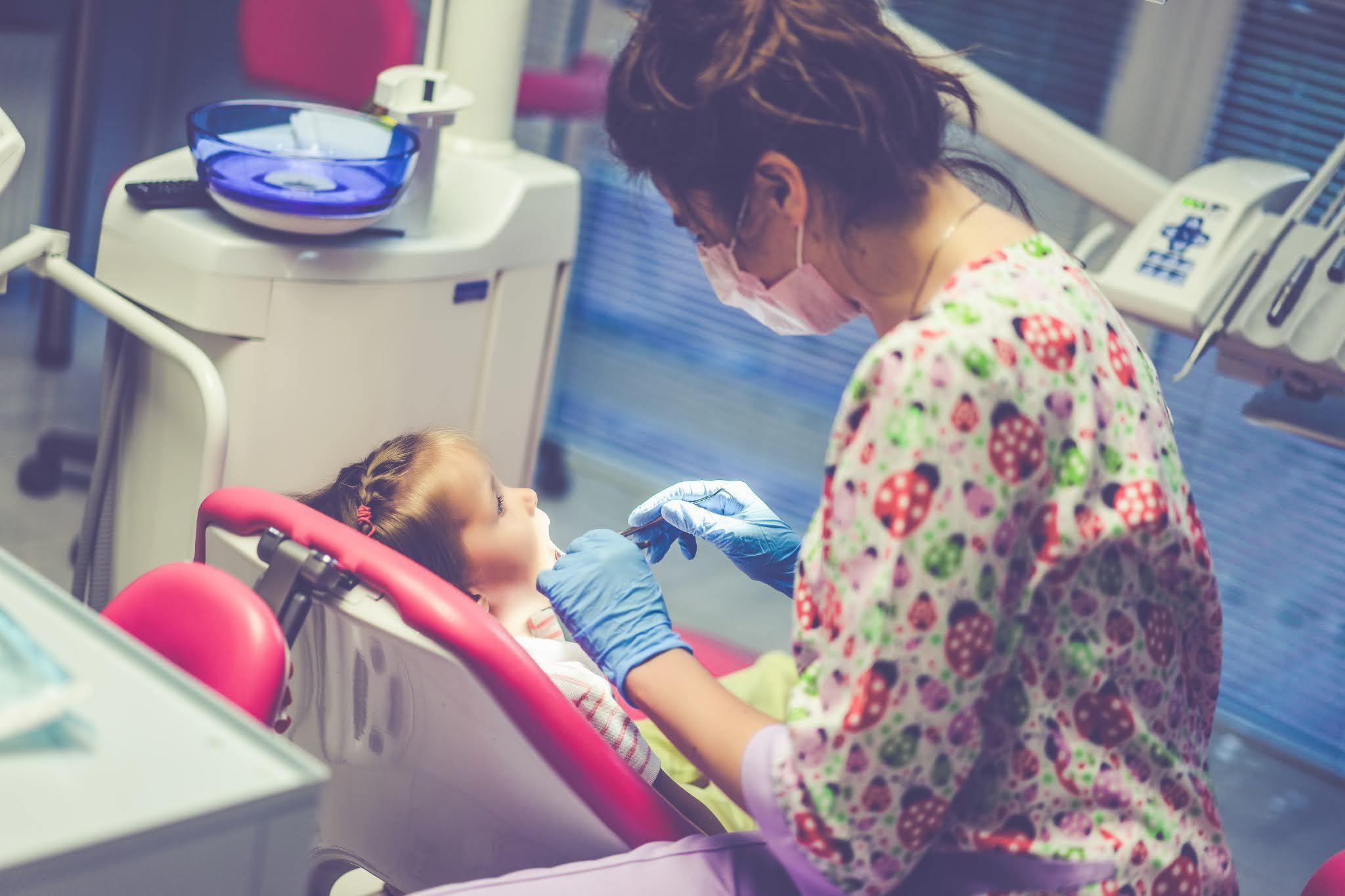 Levar a criança ao dentista