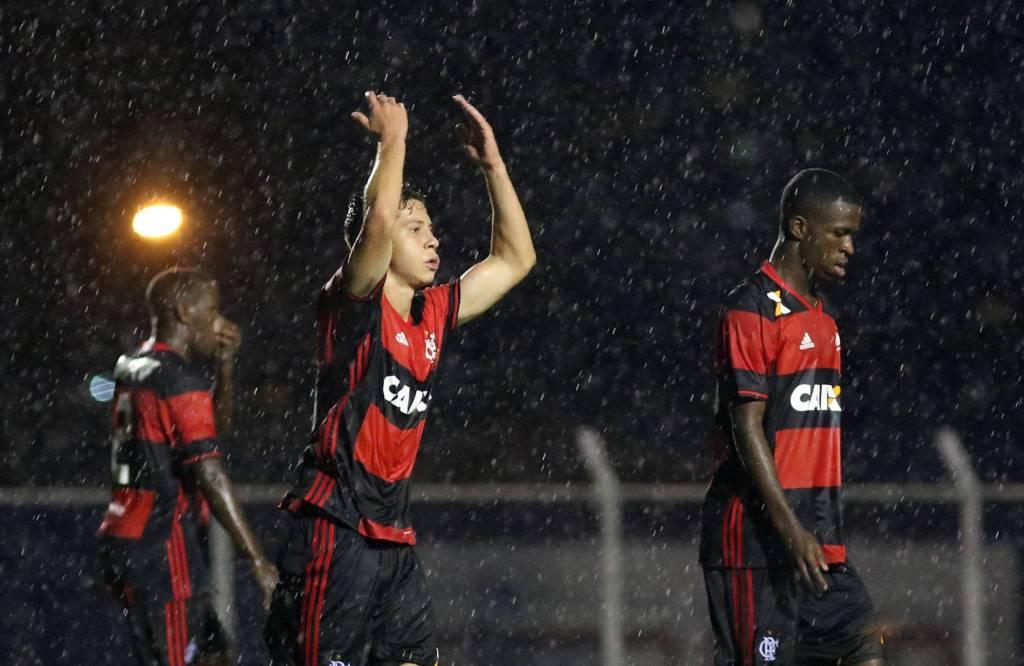 Nem a chuva dificultou a vida do Flamengo nesta quarta, contra o Nacional (Foto: Staff Images / Flamengo)