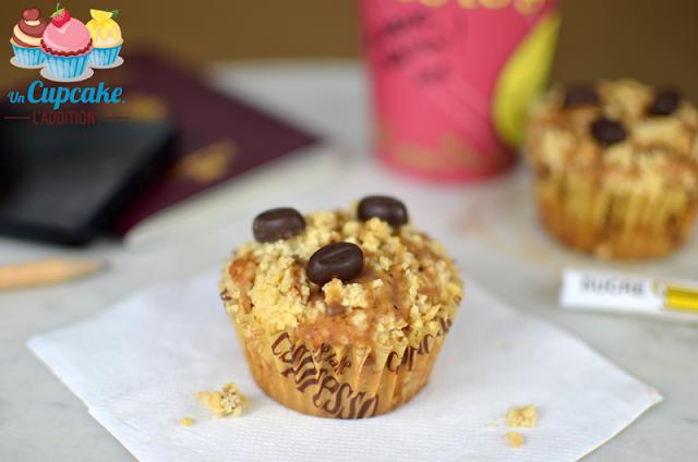 Unos Muffins de café fuerte, esponjosos y recubiertos con un streusel crujiente, ¡para darle un buen impulso a tu mañana!