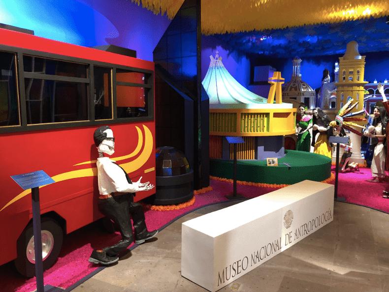 ¡Calacas a la obra!, la ofrenda del Museo Dolores Olmedo
