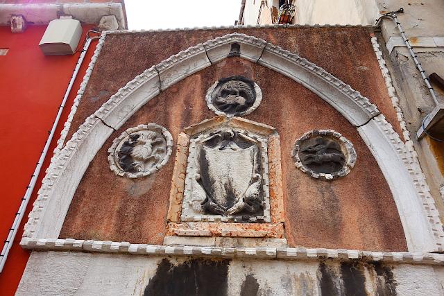 Co jsou a k čemu sloužily patere? Benátky, historie Benátek, zajímavosti v Benátkách, bazilika Svatého Marka, San Marco, benátské paláce, ctnost a neřest v Benátkách