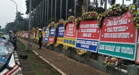 Merasa Dicatut! AMAN Bantah Kirim Karangan Bunga Dukungan untuk Dudung