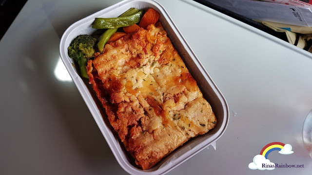 Air Asia Lasagna meal