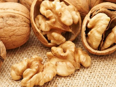 How Rich source of vitamins To Eat Walnuts?