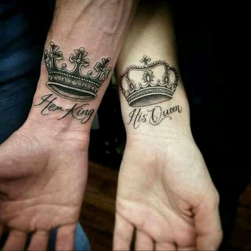 Birbirlerinin kralı ve kraliçesi dövmeleri