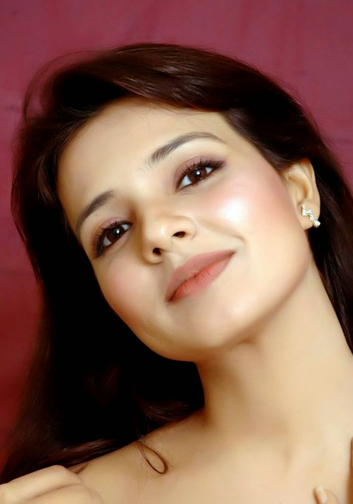 Latest hd mobile wallpapers saloni aswani hd wallpapers - Indian beautiful models hd wallpapers ...