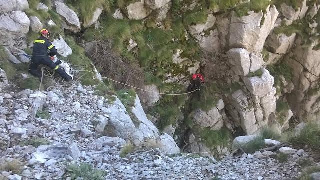 Επιχείρηση της πυροσβεστικής στην Αργολίδα για πτώση αεροπτεριστή - Σοβαρή η κατάσταση του τραυματία