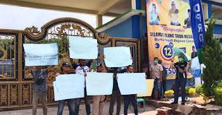 Menyedihkan, Sekretariat DPRD Mesuji Batasi Jumlah Wartawan Liputan Pilwabup