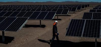 Desarrollan sistema de limpieza para conservar la efectividad de paneles solares