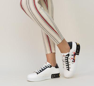 adidasi dama moderni albi cu diferite imprimeuri