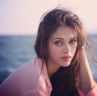 Aditi Rao Hydari, Biography, Profile, Biodata, Family , Husband, Son, Daughter, Father, Mother, Children, Marriage Photos.