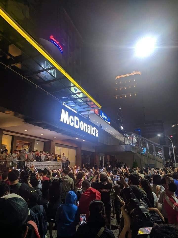 Geram Sikapi Kerumunan Penutupan McD Sarinah, Dokter: Bego Banget!