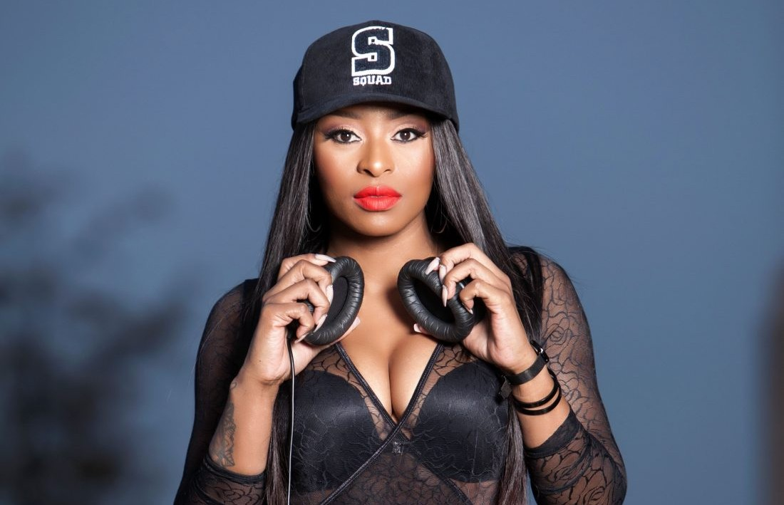 DJ Zinhle Scoops Pan African Artist Of The Year At The Namibia Annual Music Awards (NAMA).