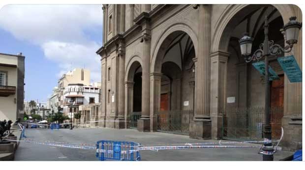 Caída cascotes, Catedral Santa Ana, Las Palmas de Gran Canaria