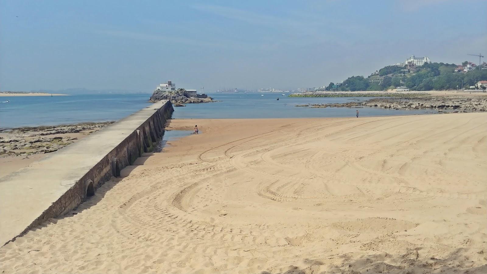 Playa de Los Bikinis plaże w Santander