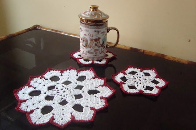 http://myrosecrochet.blogspot.in/2015/05/snowflake-doily-and-coasters.html