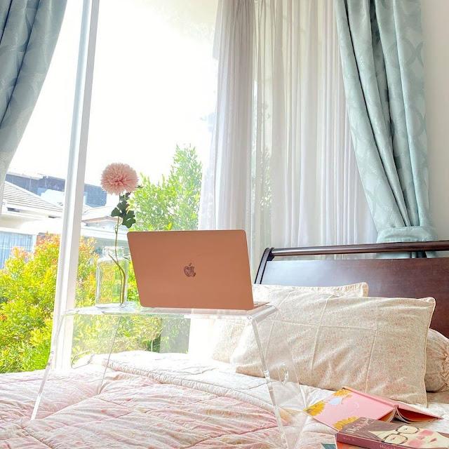 Memilih Tirai untuk Kamar Tidur Sempit