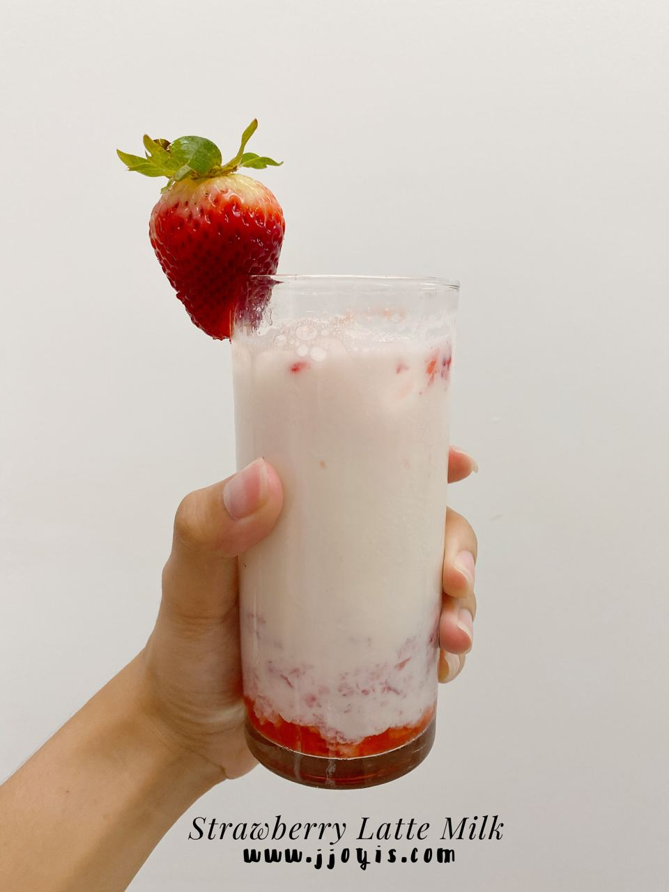 strawberry milk, strawberry milk latte, strawberry latte, homemade, healthy drink
