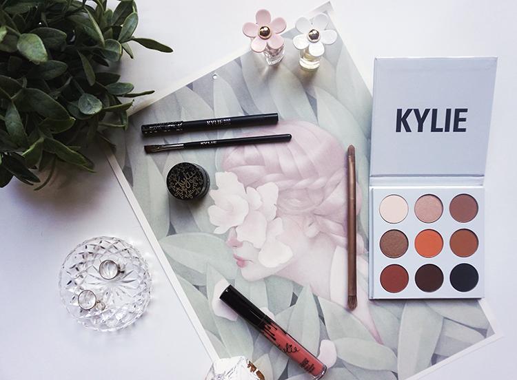 Mini Kylie Cosmetics Haul & Review | Permanent Procrastination