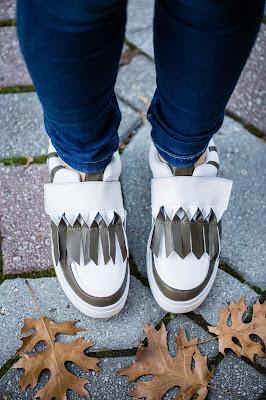 https://www.rivafashion.com/en/white-slip-on-shoes-online-13523.html